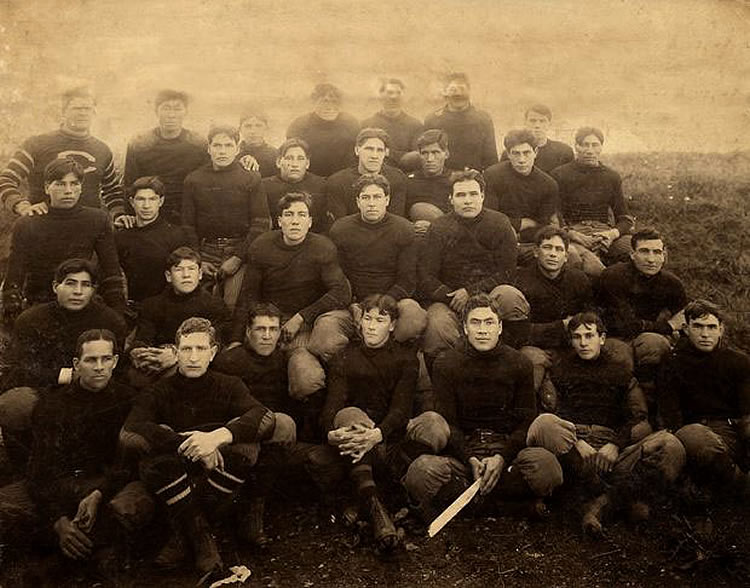 Carlisle Indian School 1907 full football team